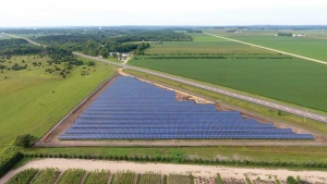 Aerial shot of Dakota Solar 2 solar panels south of Hastings