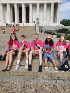 Dakota Electric Youth Tour Delegates at Lincoln Memorial