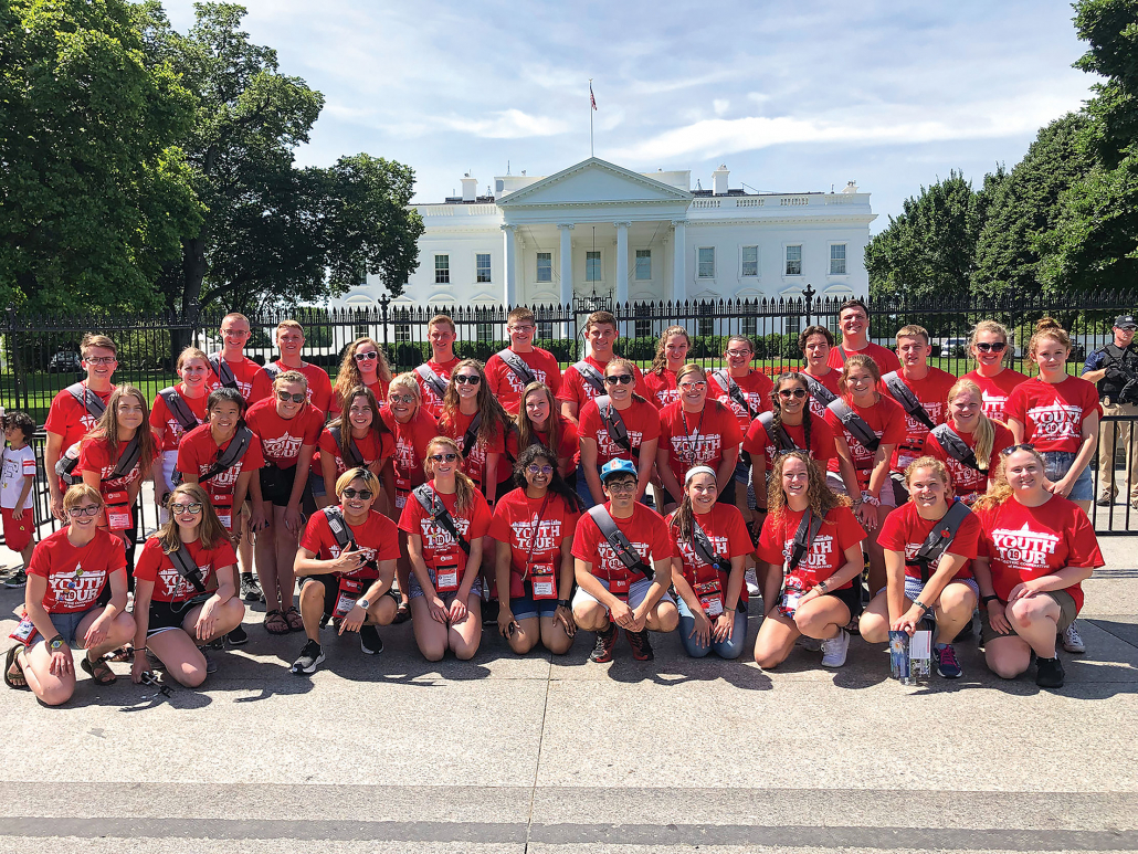 Minnesota Youth Tour Delegates at white house